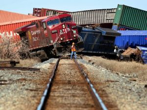 The Corporate Debt Bubble Is a Train Wreck in Slow Motion